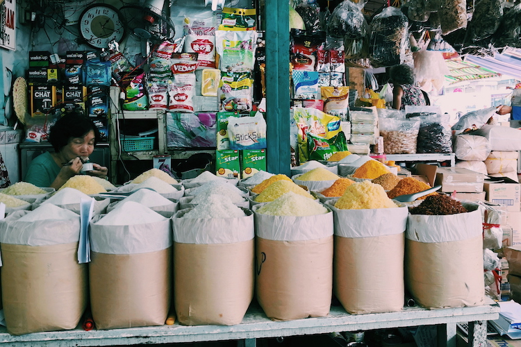 visitare vietnam cambogia e thailandia, saigon, ho chi minh city, binh tay market