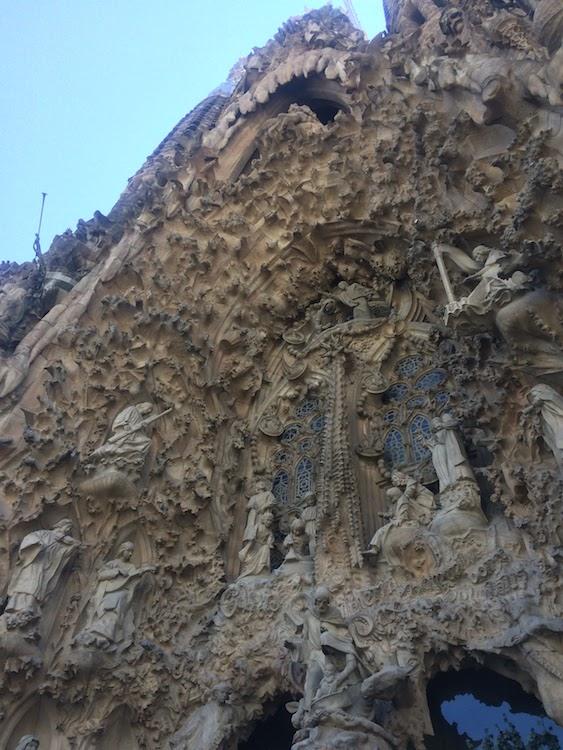 visitare la sagrada familia, facciata della natività