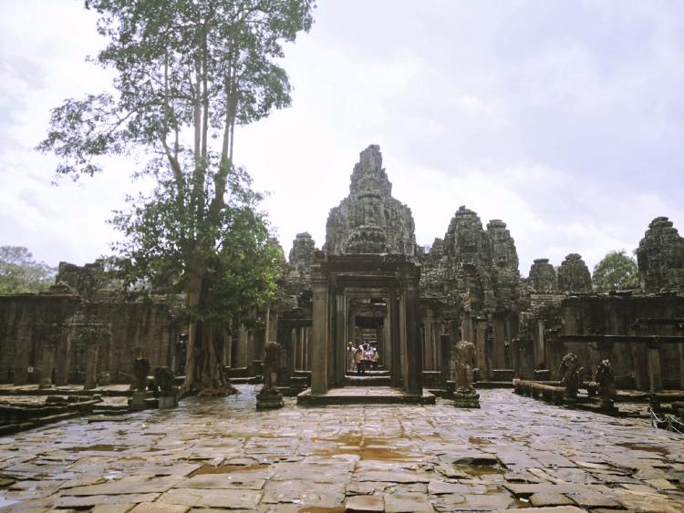 L'ingresso a uno dei templi di Angkor Wat in Cambogia